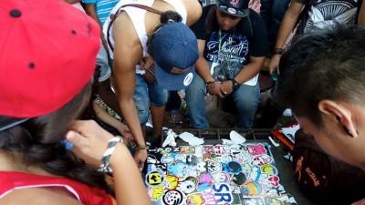 Comunidad de Stickeros colaborando