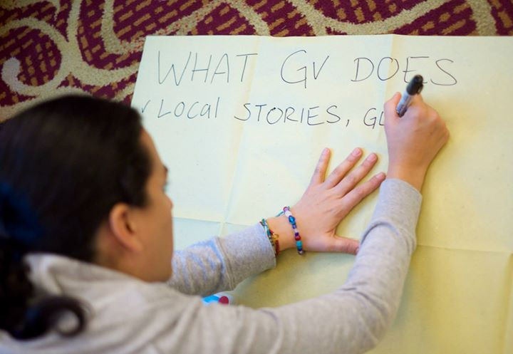 Elizabeth Rivera, our contributor from Mexico writing notes during a brainstorm at the 2015 Global Voices Summit. Photo by Jeremy Clarke, taken on January 21, 2015. CC BY-NC 2.0