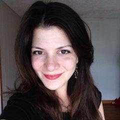 Un pequeño retrato de Stephanie Phaneuf
