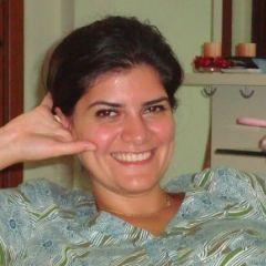 A small portrait of Lara AlMalakeh